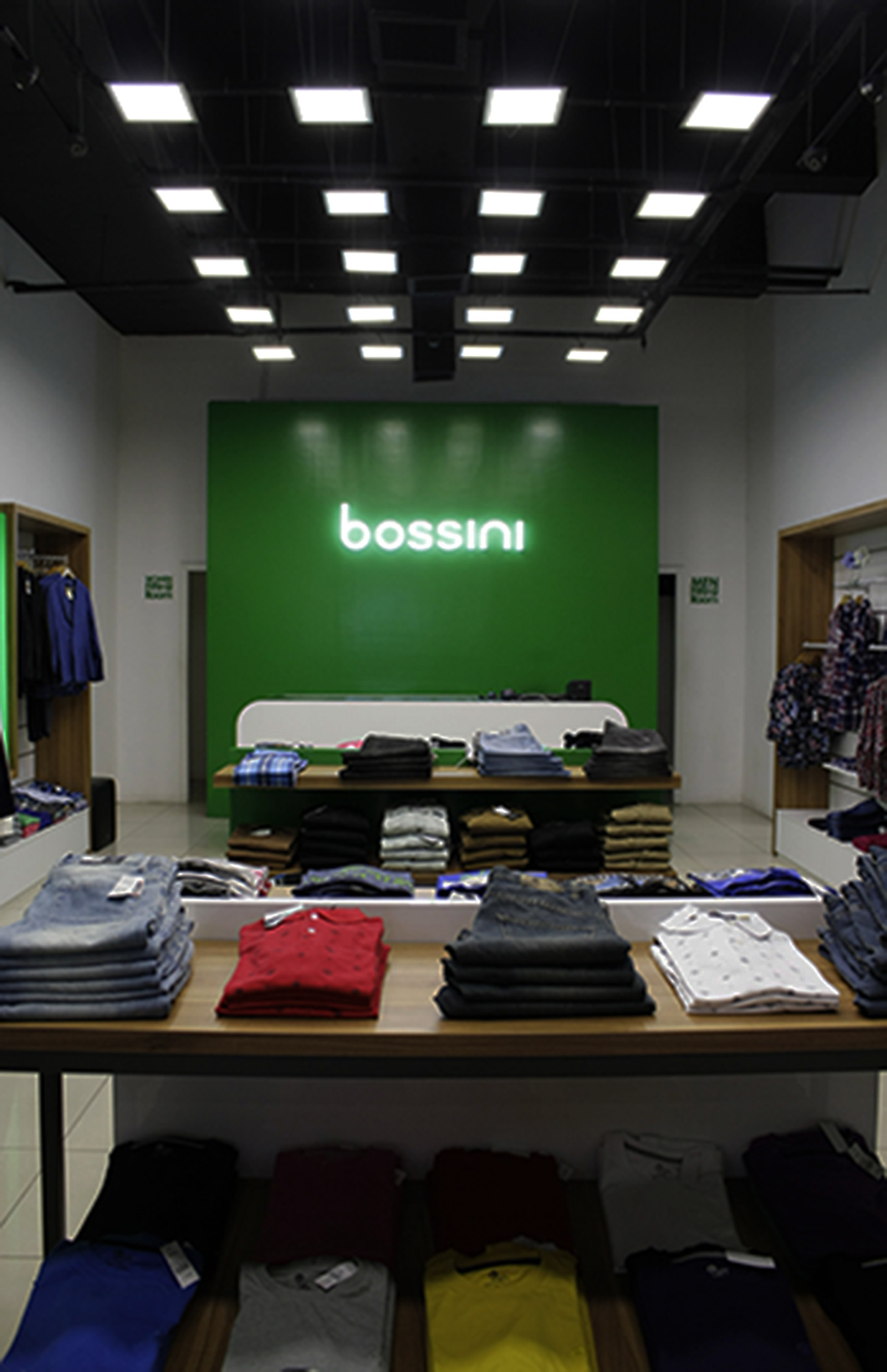 bossini-clothing-Shop-interior